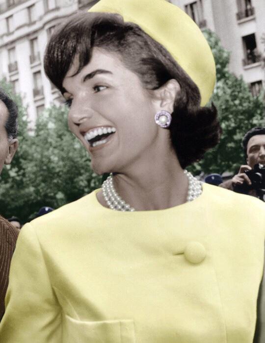 Jacqueline Kennedy Onassis una donna fragile, icona di stile edeleganza